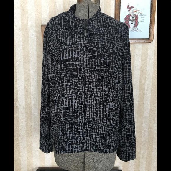 JM Collection Jackets & Blazers - JM Collection black patterned zip front jacket.